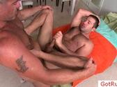 User_Uploaded_Hairy_dude_getting_anus