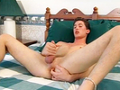 Hot guy jerks his li..
