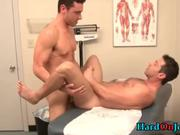 Super hot dude gets his gay penus