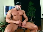 Beafed muscle stud jerking off 2