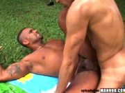 Free gay sex featuring muscle hunks outdoors